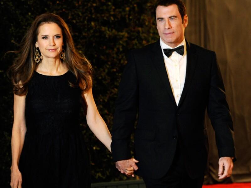 Una publicación segura que la actriz Kelly Preston, no pudo con la doble vida que lleva Travolta y abandonó la residencia que tienen en esta ciudad.