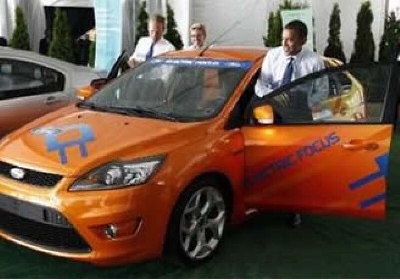 Barack Obama viajó a la nueva planta de baterías para auto ubicada en Michigan. (Foto: Reuters)