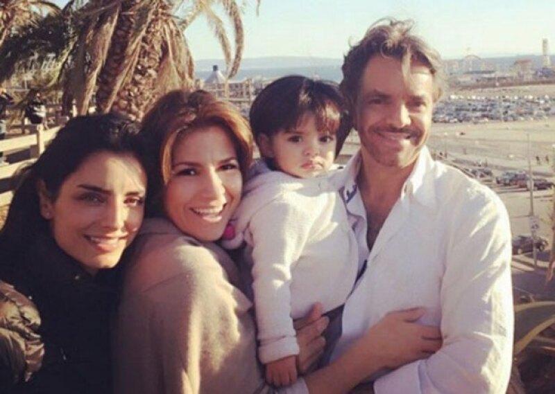 El actor y director mexicano negó haberse realizado este procedimiento, aunque en sus planes ya no está tener más bebés.