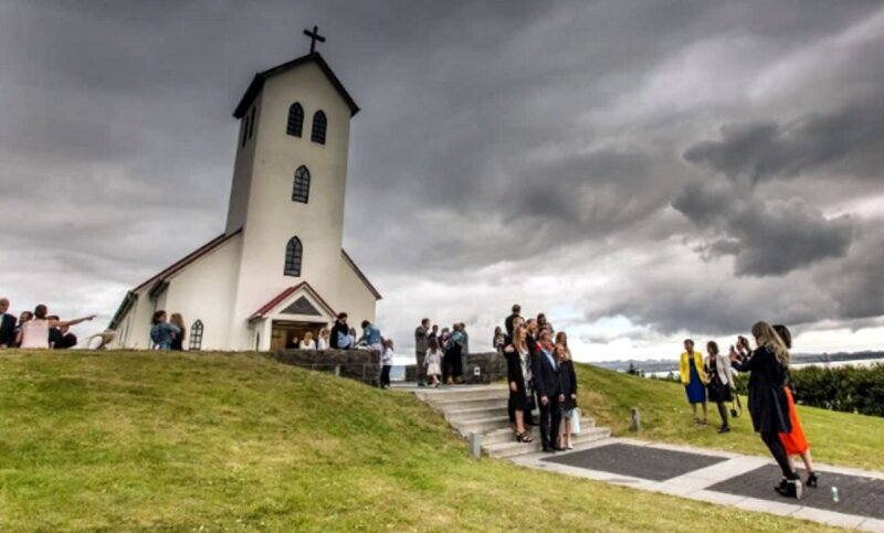 En Islandia es normal que una pareja pase años juntos como padres antes de si quiera considerar el matrimonio..