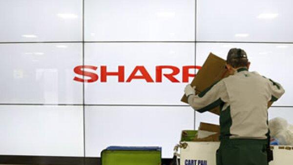 Foxconn podría mejorar su posición como el principal fabricante contratista de Apple, tras la compra de Sharp. (Foto: Reuters)