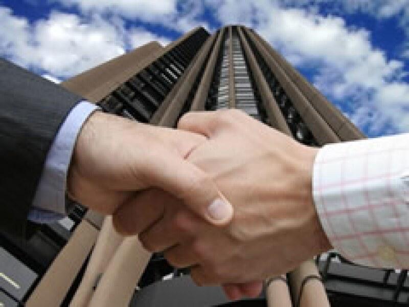 Las inversiones privadas podrían ayudar a que se recuperen los bancos. (Foto: Archivo)