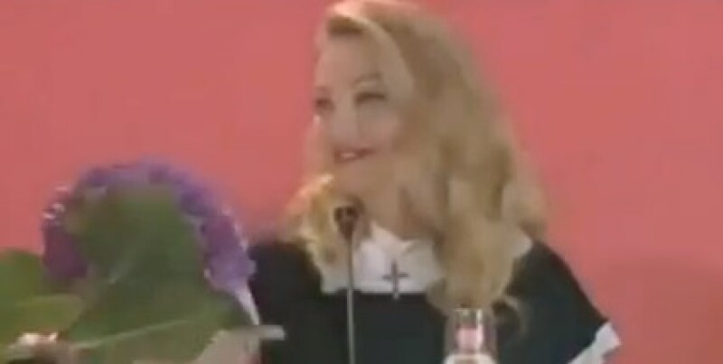 Madonna agradeció las flores que le dio su fan.
