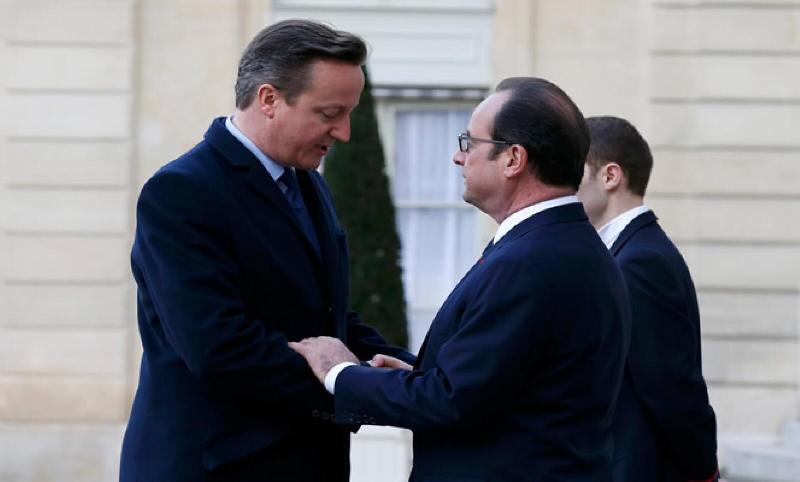 David Cameron también marchó en las en las calles de París junto con miles de ciudadanos franceses.