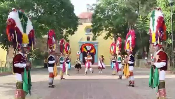 Bailarines de Oaxaca se preparan para la tradicional fiesta de la Guelaguetza