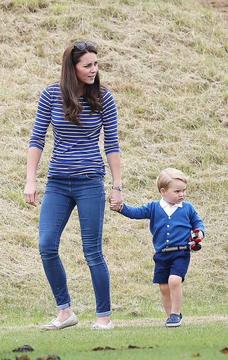 Kate Middleton y el príncipe George acompañaron al príncipe William durante un partido de polo.