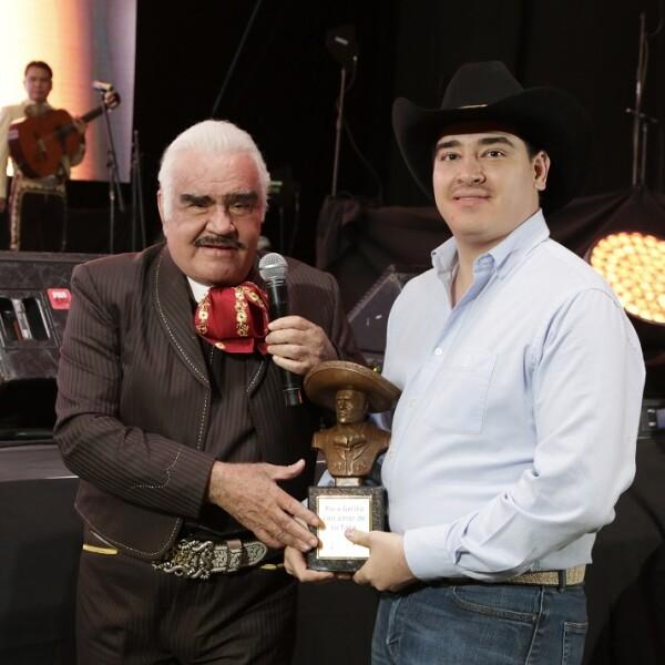 Vicente Fernández y su nieto Gerardo Fernández