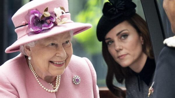 Reina Isabel y Kate Middleton