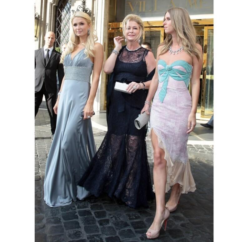 Paris, Kathy y Nicky Hilton robaron miradas a su llegada.