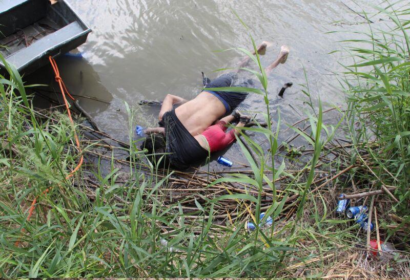 Salvadoreños en Río Bravo