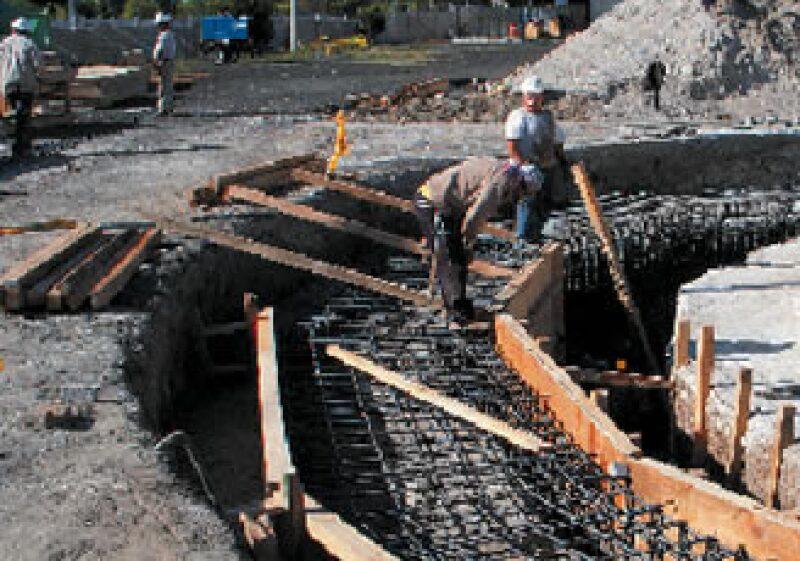 La industria de la construcción fue una de las menos afectadas durante 2009. (Foto: Cortesía Conagua)
