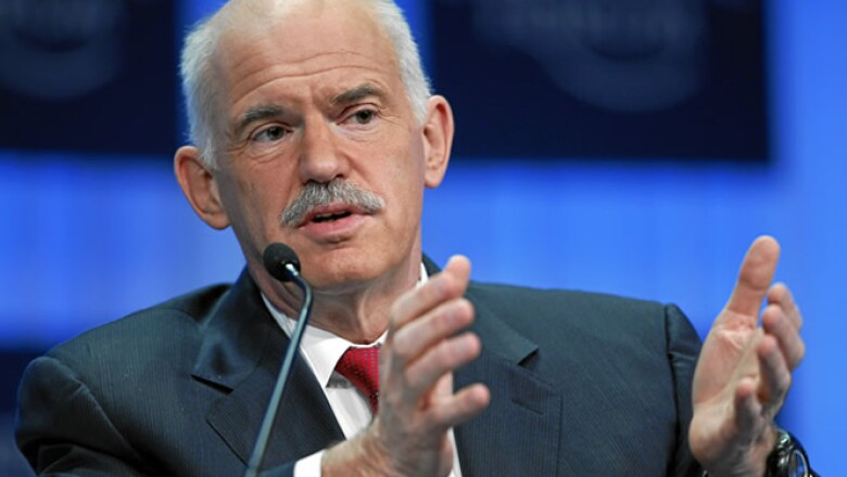 El primer ministro Griego, Geoge Papandreou, negó que su país caiga en impago o requiera reestructurar su gran deuda pública.