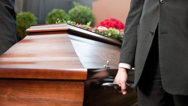 Funerales gratuitos.