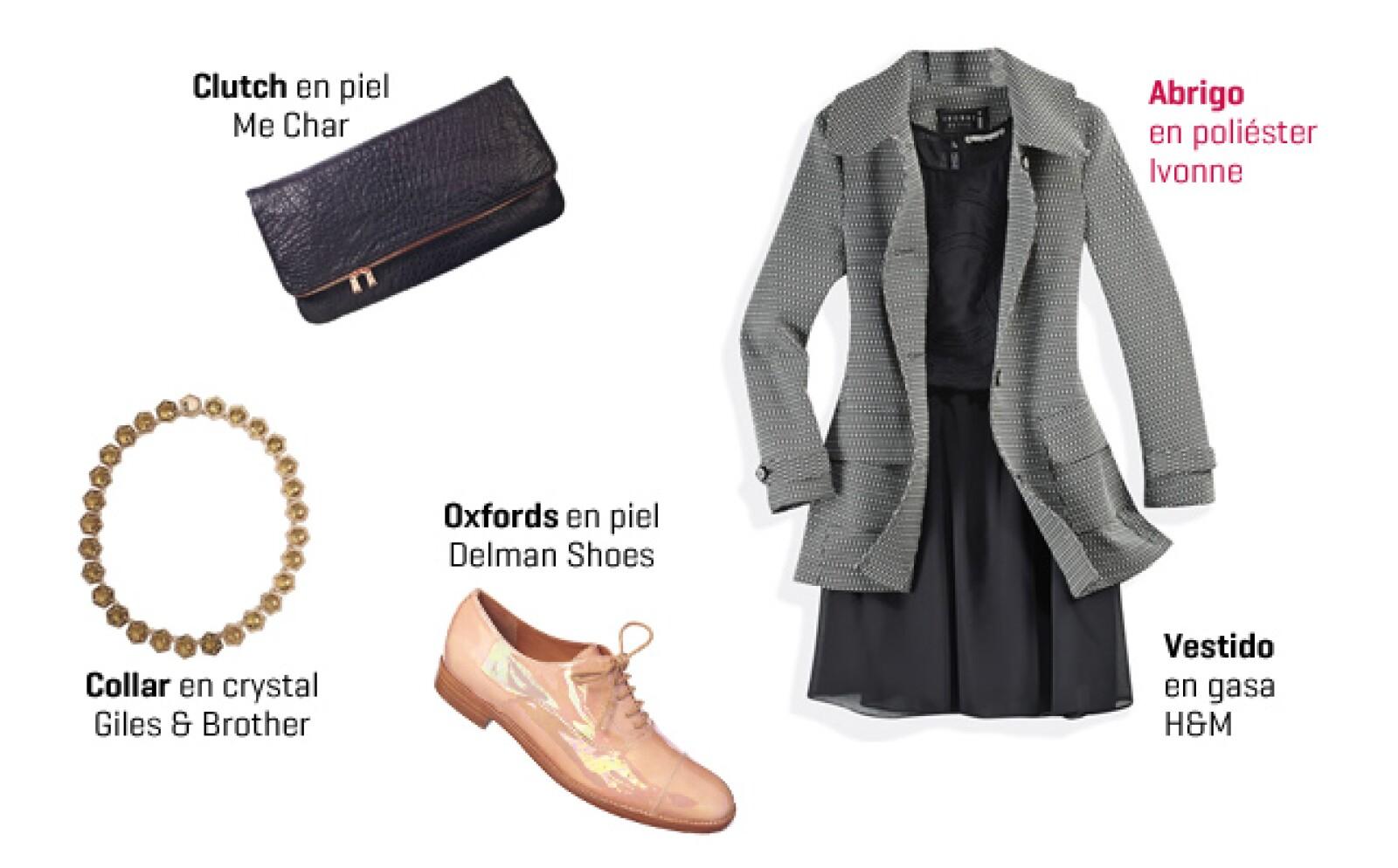 Ponte el abrigo con un vestido negro con transparencias y dale un giro masculino, divertido y arriesgado con unos zapatos oxfords metálicos.