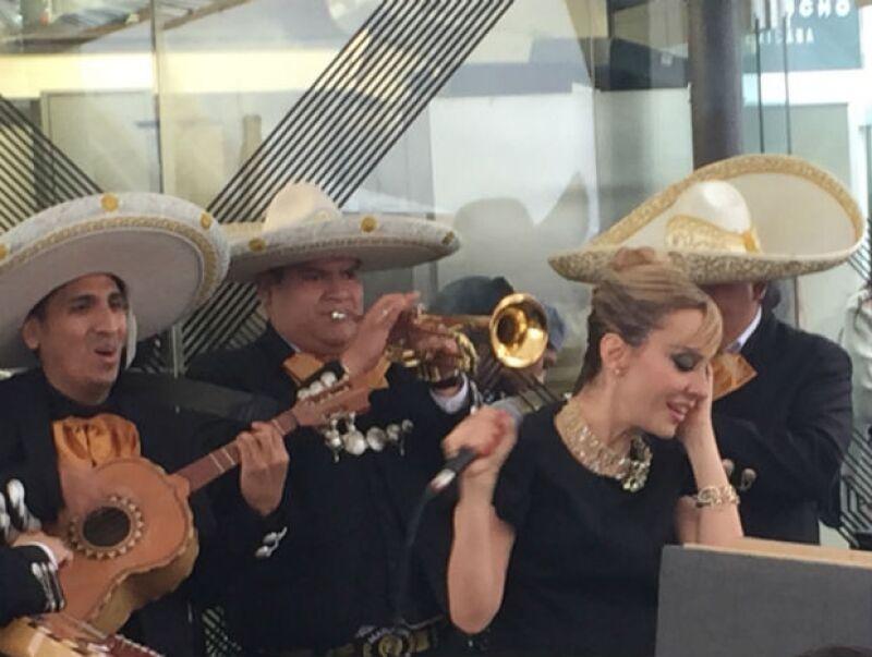 Filippa se siente cercana a México, pues está casada con el empresario Brando Lomelí.