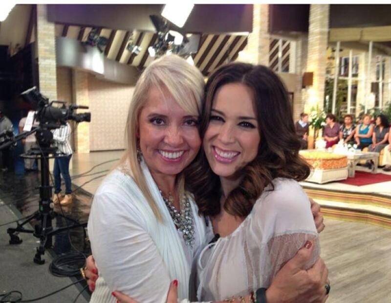Jacky Bracamontes fue invitada por la productora Carla Estrada a estar unos días en Hoy.
