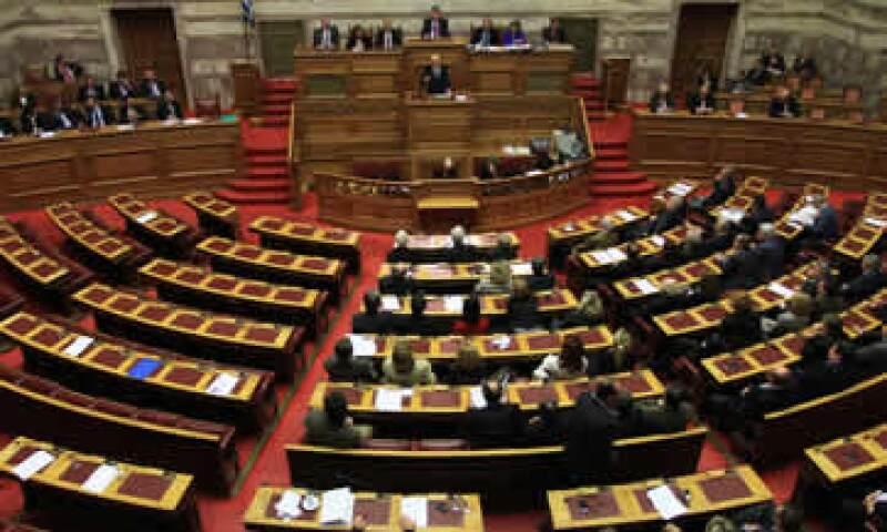 Papandreou pudo haber pactado su renuncia con su gabinete, si es que este le apoyaba en ganar la moción de confianza. (Foto: Reuters)