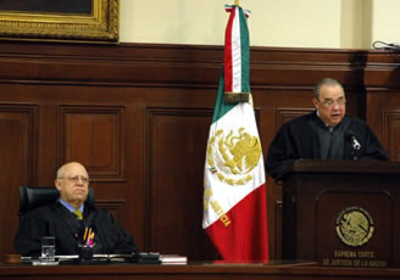 Los ministros de la Suprema Corte definirán si el IETU se modifica o continúa con su actual Ley. (Foto: Notimex)