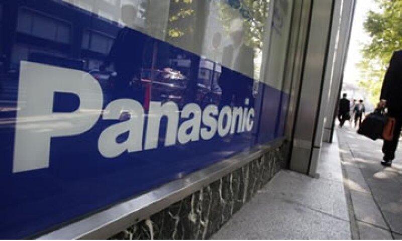 Panasonic anunció en abril que recortaría 17,000 puestos de trabajo y que cerraría 70 plantas. (Foto: AP)