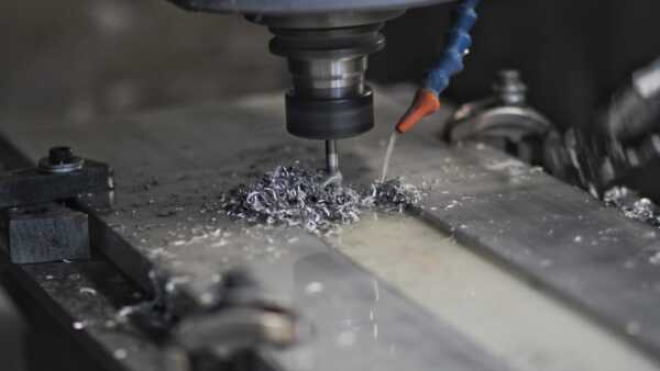 Máquina con sistema CNC