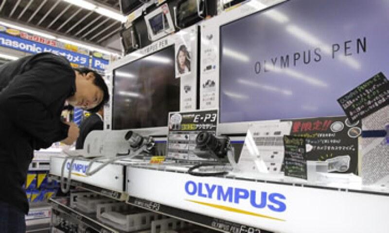 Olympus asegura que las pérdidas relacionadas con el escándalo equivalen a 1,100 mdd. (Foto: AP)