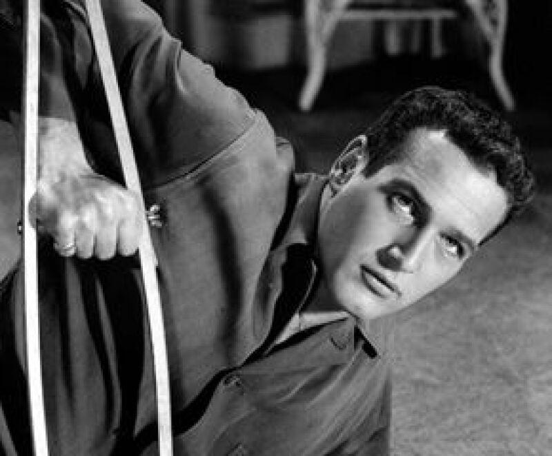 En su más de medio siglo de carrera, el famoso actor colaboró en cerca de 60 películas, varias de ellas fueron nominadas y premiadas con premios Oscar y Globos de Oro.