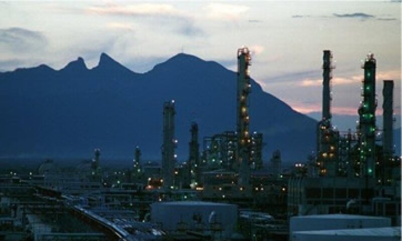 La póliza incluye la responsabilidad civil general derivada del desarrollo de las operaciones. (Foto: Tomada de facebook.com/Pemex )