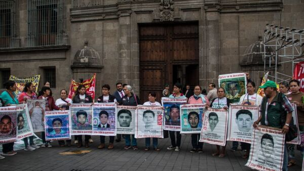 Madres y padres de los normalistas de Ayotzinapa previo a la reunión con el presidente López Obrador del pasado 11 de septiembre.