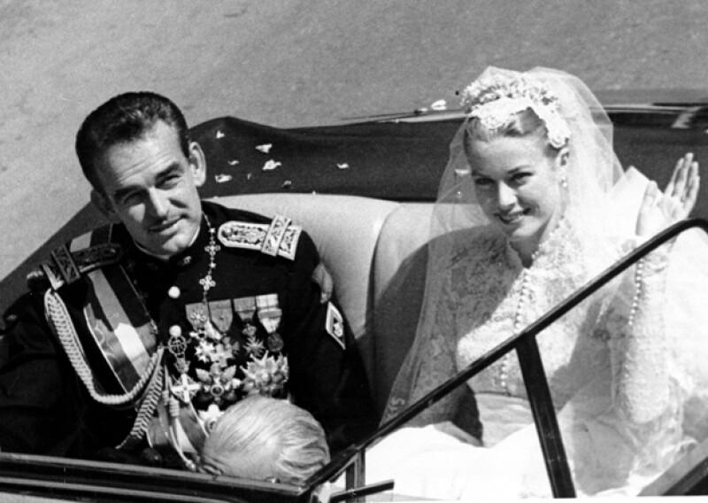 Su boda religiosa fue el 19 de abril de 1956.