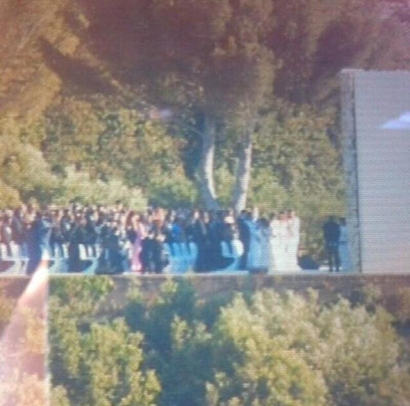 Comienzan a circular las primeras imágenes de la esperada boda entre la socialité y el rapero. Se casaron en el fuerte de Belvedere de Florencia entre amigos y familiares esta mañana.