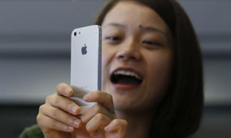 Los operadores de redes de telefonía que ofrecen productos de Apple dijeron que aún no han decidido si aumentarán los precios.  (Foto: AP)