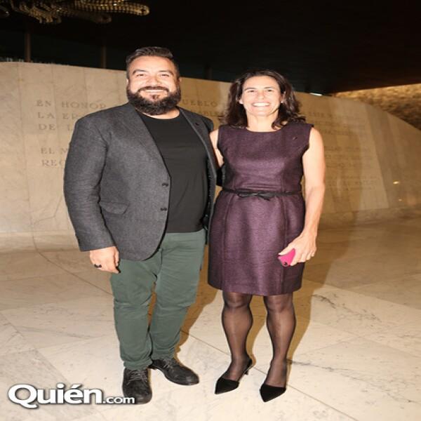 Juan Carlos Campos,Stacy Simons