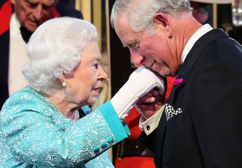 El principe Carlos escribió un gran tributo a su madre.