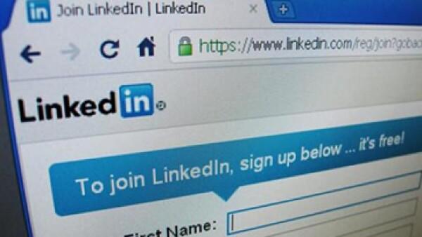 LinkedIn es un blanco natural para ladrones porque almacena datos importante de profesionales. (Foto: Reuters)