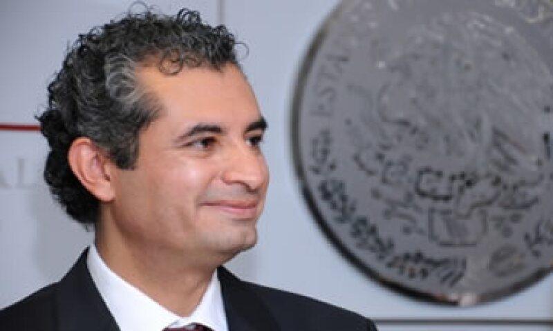 El titular de la CFE, Enrique Ochoa Reza, busca que las redes de  transmisión y distribución lleguen a otros países.   (Foto: Notimex)
