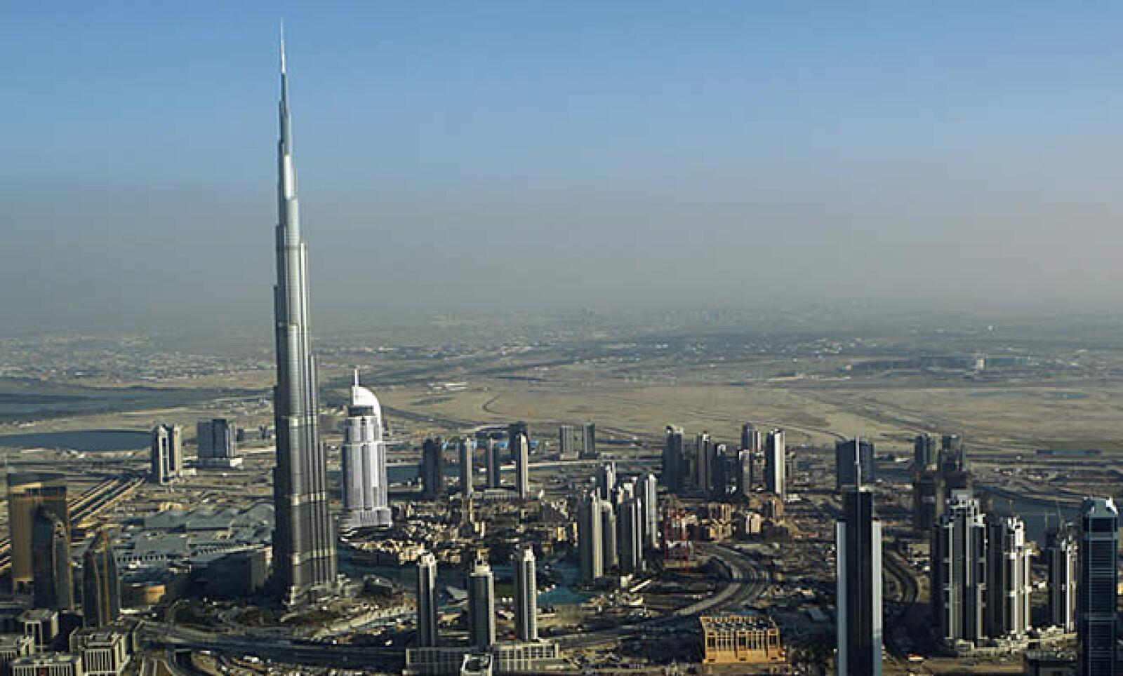 Los 56 elevadores del Burj Dubai se encargarán de llevar a las alturas a miles de personas a sus distintas instalaciones.