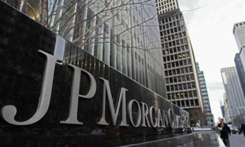 JPMorgan es uno de los principales bancos de EU que requerirá aumento de capital. (Foto: AP)
