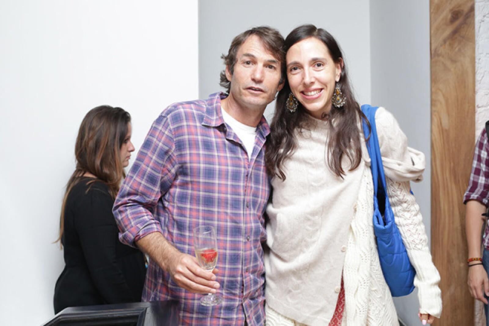 Shay Bezek y Paola Cesarmann
