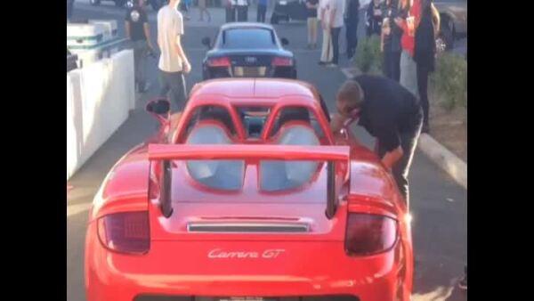 El actor estadounidense fue captado antes de abordar el Porsche en el que perdió la vida.