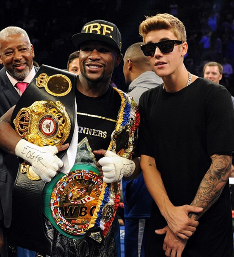 Justin Bieber será quien acompañe a Floyd Mayweather al ring. Hasta ahora el boxeador estadounidense es el deportista mejor pagado del mundo.