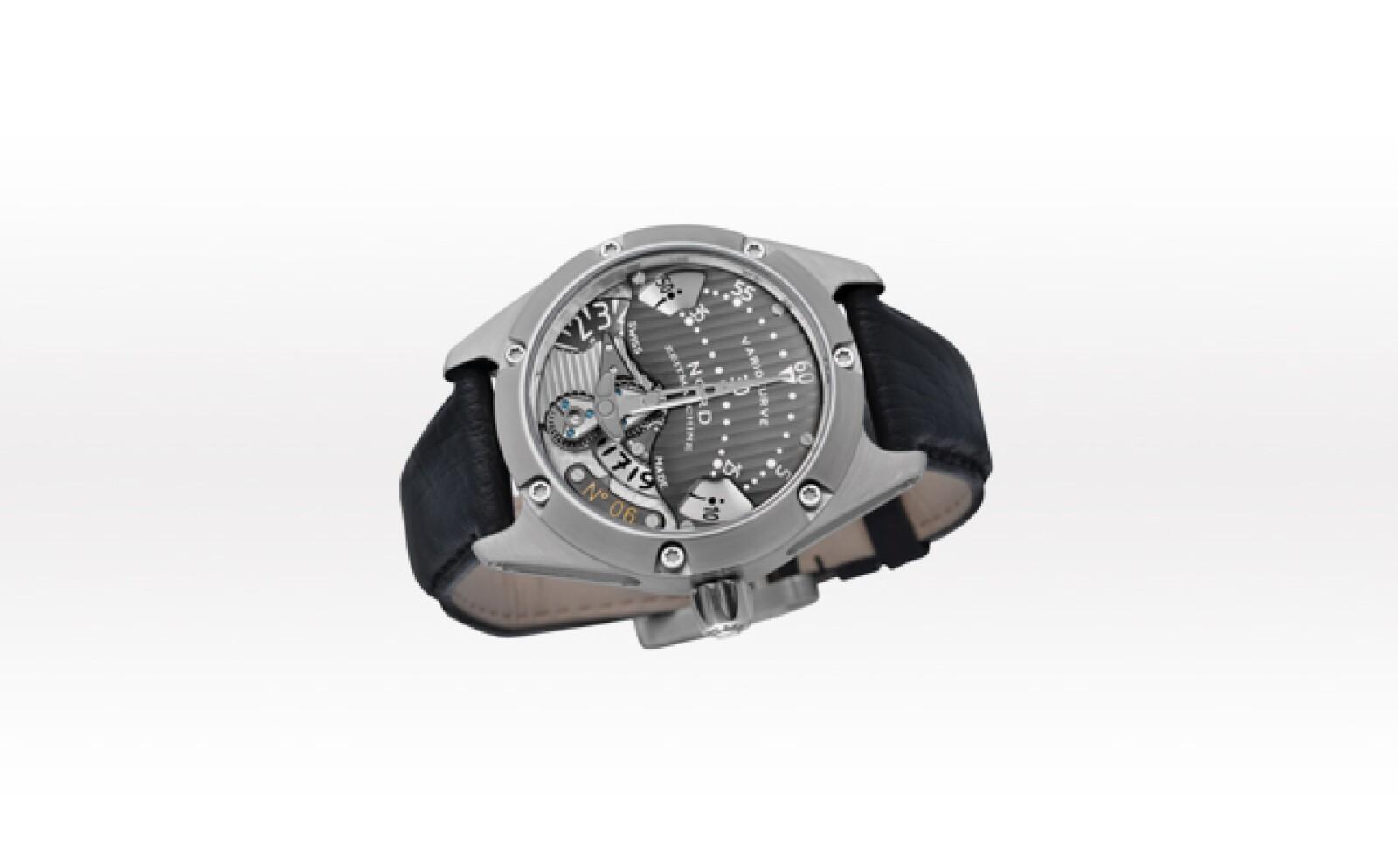 Sólo seis relojes de éste modelo son producidos al año. Su creador, Daniel Nebel, es el que se encarga de producir minuciosamente cada una de las piezas que integran a su maquinaria.