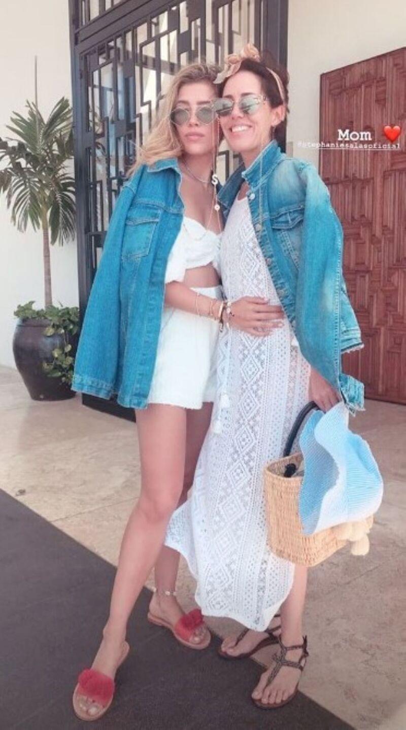 Michelle y Stephanie Salas