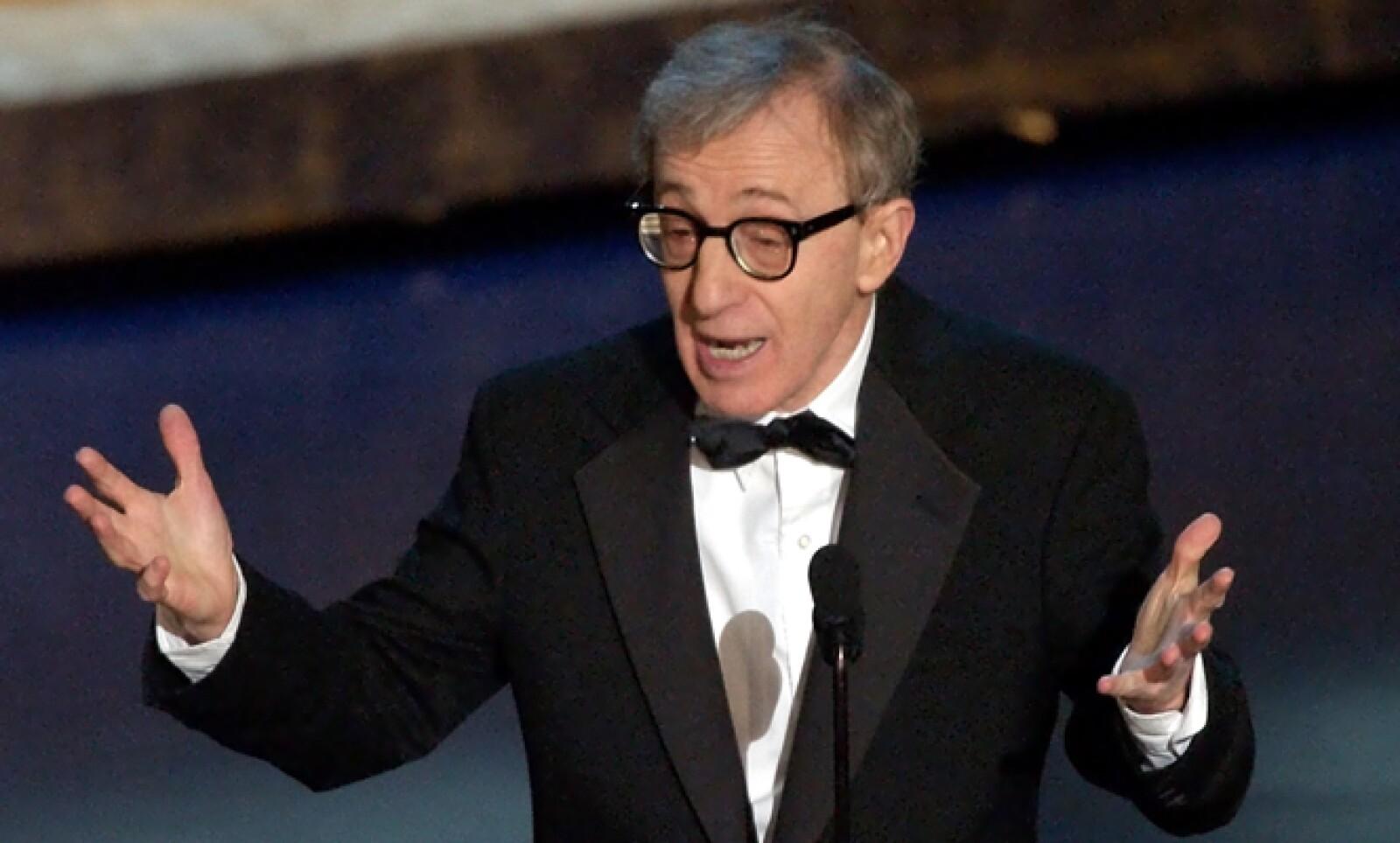 Woody Allen acudió a la ceremonia número 74 de los Oscar, en 2002, tras los atentados terroristas en Nueva York. Hasta ese año, el director y actor rehusaba asistir a las entregas.