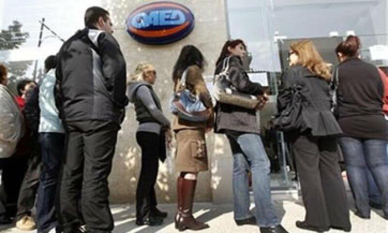 Analistas prevén que la tasa de desocupación puede llegar a poco más arriba del 11.5% de la fuerza laboral. (Foto: Reuters)