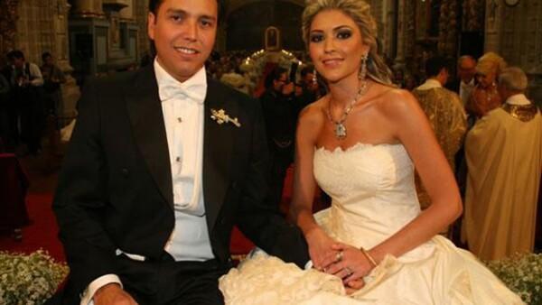 Gerardo Díaz Ordaz Castañón y Leonora Tovar López Portillo unieron sus vidas en la iglesia Regina Coeli.