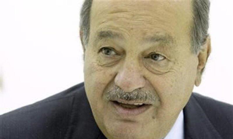 Meses atrás, las firmas rivales de Slim también pidieron indgar un acuerdo sobre tarifas de interconexión de Telcel y Telefónica en 2010. (Foto: Reuters)