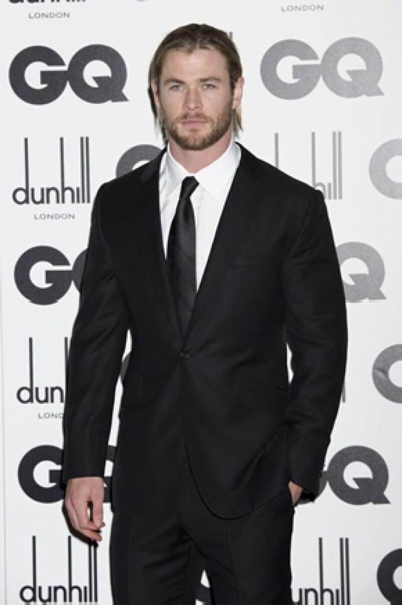 El actor dijo que no descarta la idea de dar vida al promiscuo Christian Grey si el guión resulta interesante.