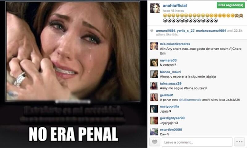Anahí se sumó a los comentarios con esta imagen.