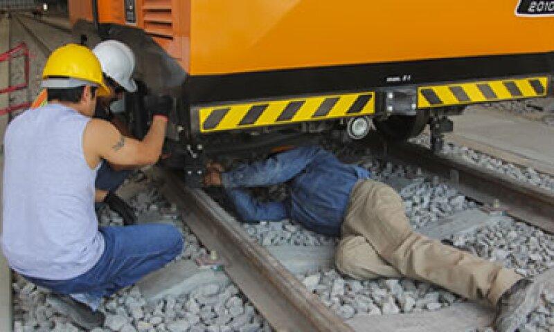 La empresa encargada de la construcción de los trenes ya retiró de circulación a algunos de ellos por no tener condiciones de seguridad. (Foto: Cuartoscuro)