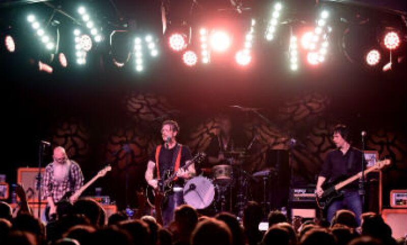 El grupo estadounidense Eagles of Death Metal tocaba este viernes en Bataclán, la sala de conciertos atacada en París. (Foto: AFP )